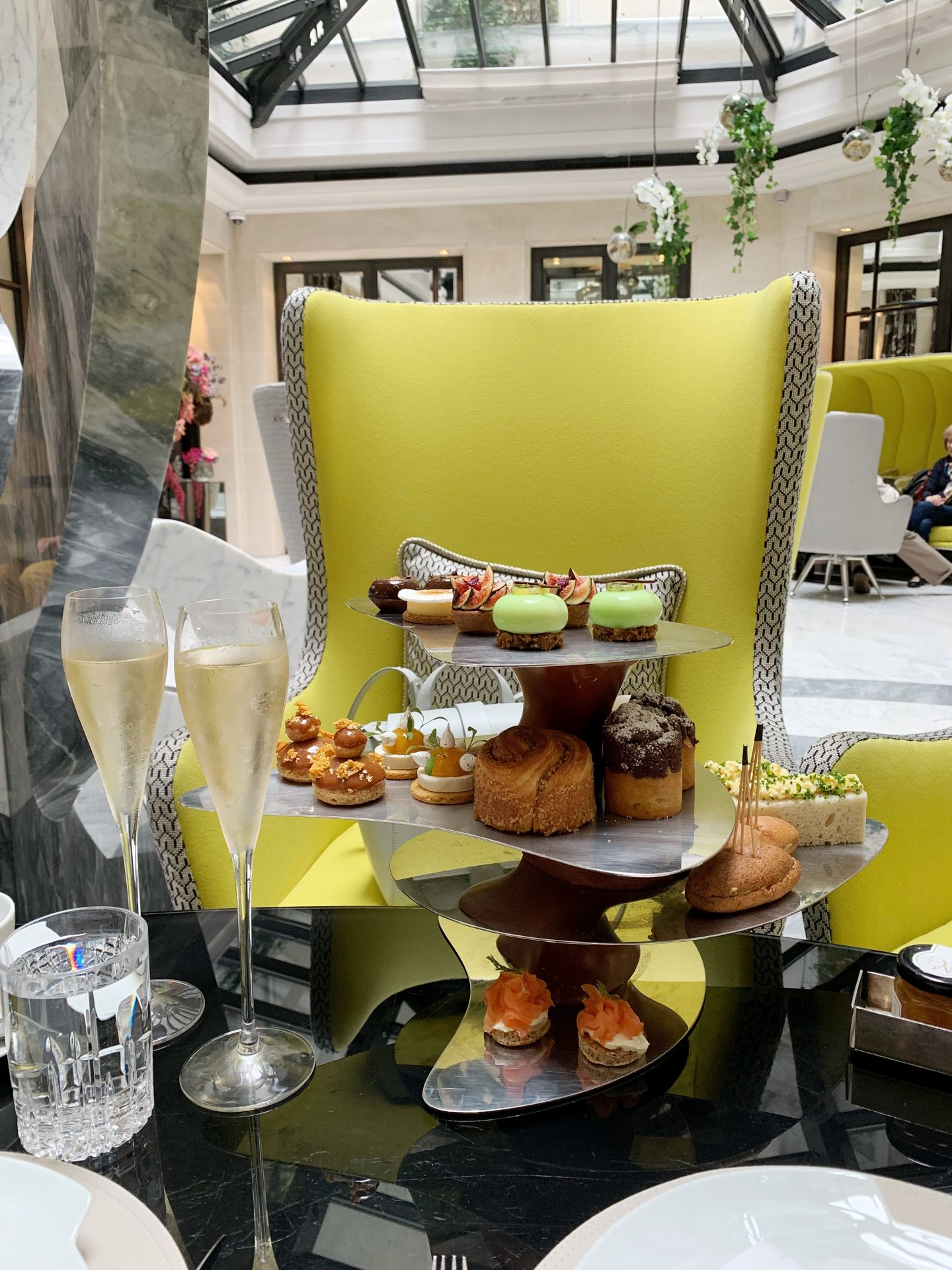Hotel Le Burgundy Afternoon Tea
